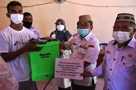 Bupati Gorontalo Utara Beri Bantuan Kepada Warga Transmigran Binaan